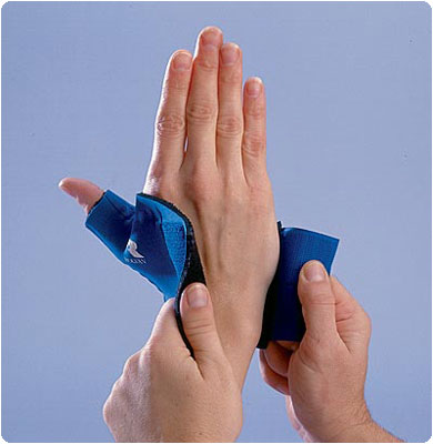 Rolyan Neoprene Thumb Supports Pull-On, Right Size: M 6