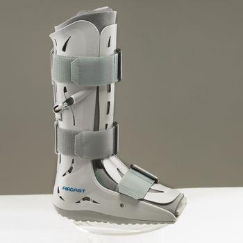 Size: M, Calf Circ.: 16 (41cm), Shoe Sizes; Men s:; 7-10, Women s:; 8