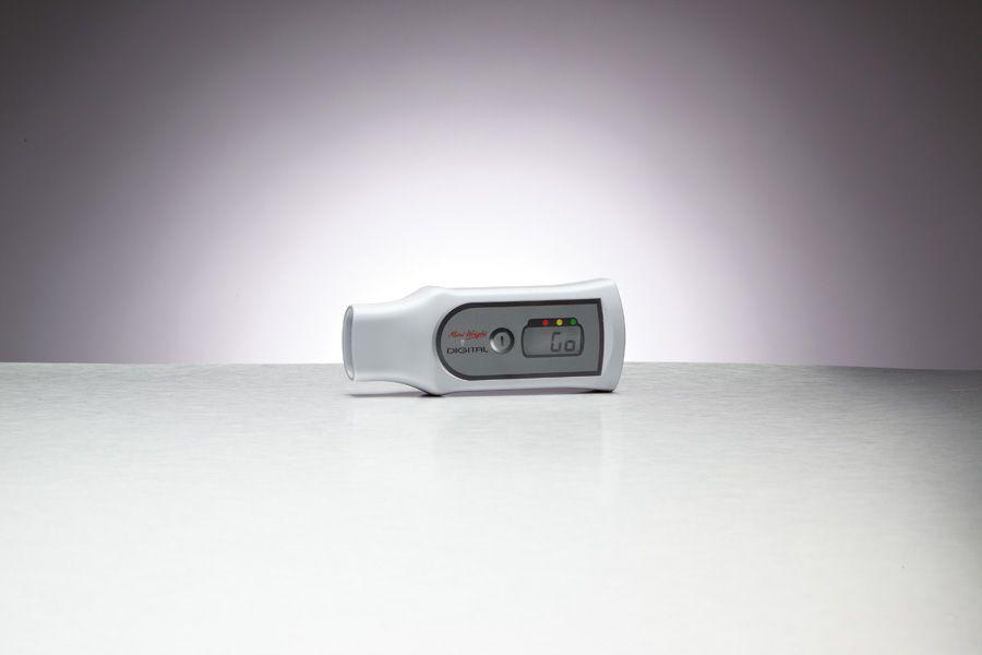 Digital Peak Meter : Patterson medical peak flow meter breathing each