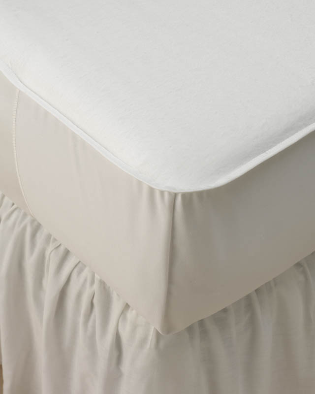 Medline Hooded Mattress Pad - 36X80, 50C/50P, Bleached, Box of 12 - Model MDT219339WH