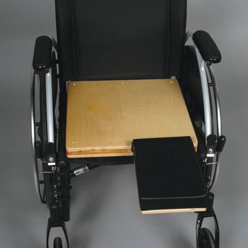 Unpadded Amputee Seat w/ Cushioned Stump Support - 18